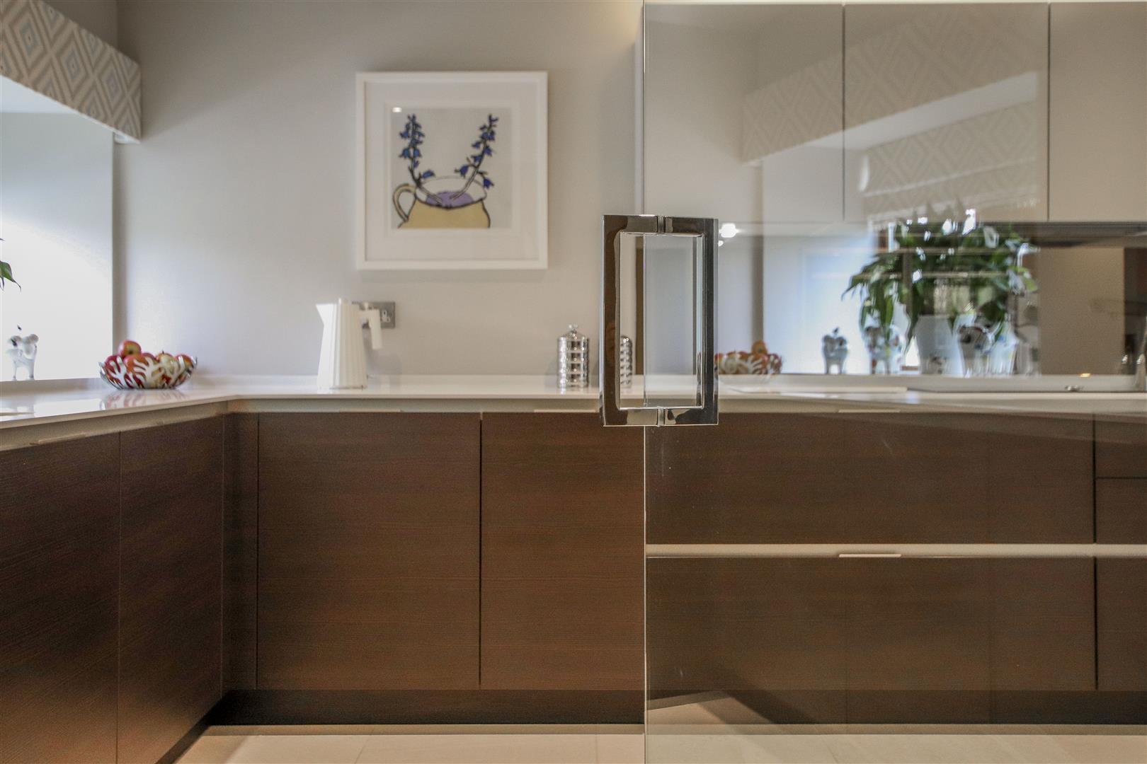 5 Bedroom Semi-detached House For Sale - 45.JPG